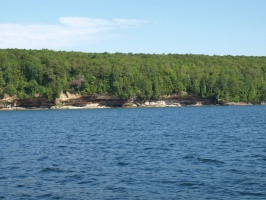 Smaller cliffs on Grand Island